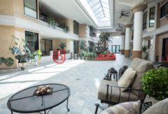 加拿大阿尔伯塔埃德蒙顿的房产,10142 111 Street Northwest, 710,编号26494463