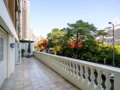 居外网在售香港5卧3卫的房产总占地223平方米USD 12,552,000