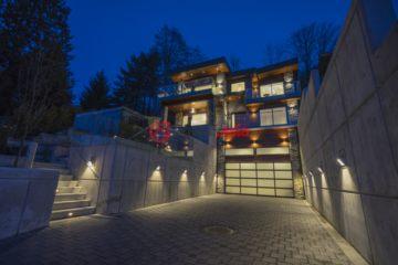 加拿大Burnaby5卧7卫新房的房产
