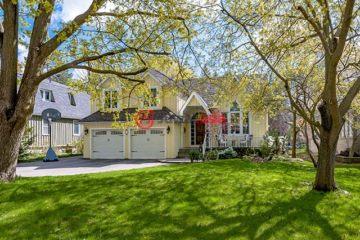 居外网在售加拿大4卧3卫最近整修过的房产总占地1012平方米CAD 2,988,000
