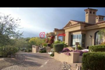 居外网在售美国5卧7卫曾经整修过的房产总占地581平方米USD 2,300,000