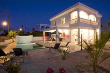 塞浦路斯Peyia5卧4卫的房产