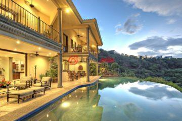 居外网在售哥斯达黎加8卧10卫的房产总占地7745平方米USD 3,300,000