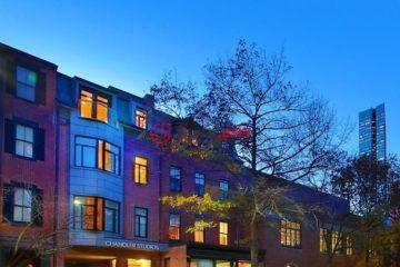 美国波士顿总占地743平方米12卧13卫的商业地产