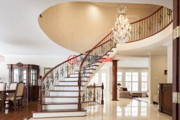 居外网在售加拿大5卧4卫局部整修过的房产总占地1001平方米CAD 1,988,000