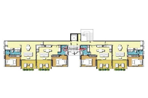 卡玛拉公寓(Kamalafalls Condominium) 位于普吉岛西海岸富豪居住云集的Millionaires Mile居高临下的山坡上,只需一公里,您就可抵达普吉岛上最美丽宁静质朴的卡玛拉海滩。 卡玛拉公寓(Kamalafalls Condominium)的设施水准是如此之高,以致您可能并不想过于频繁地离家。它是成熟的居家型度假公寓,三座五层高的低密度建筑共建有65套公寓,它们被三个长100米的长形的别致泳池所围绕着,出门即可跳入池中。在这里远眺青翠叠嶂的山峰与湛蓝的大海,足令人舒心养目,心旷神