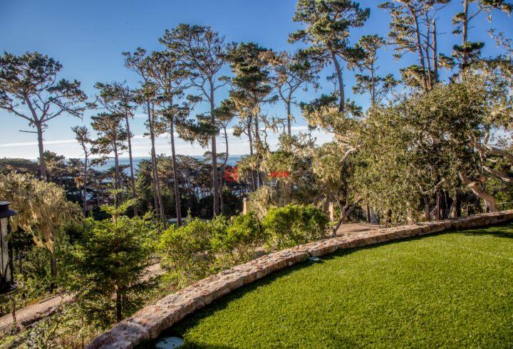 美国加州圆石滩5卧5卫曾经整修过的房产