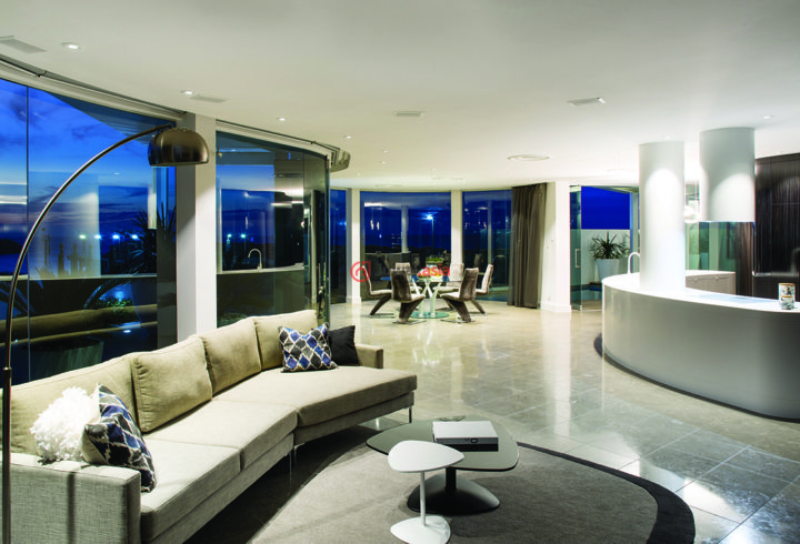 豪宅晚上客厅图片