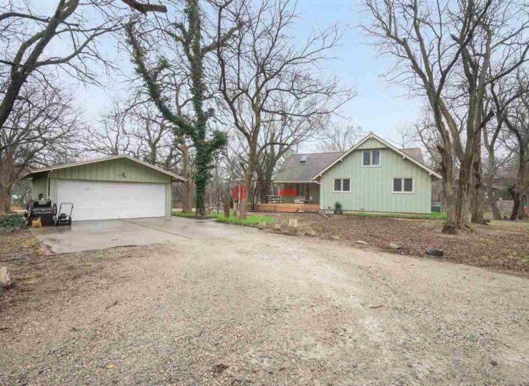 美国堪萨斯州瓦利中心的房产,9827 n woodlawn,编号38602223